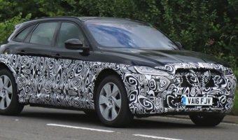 Кроссовер Jaguar F-Pace 2018 проходит тесты
