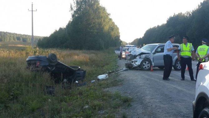 Под Екатеринбургом в ДТП погибла девочка (1).jpg