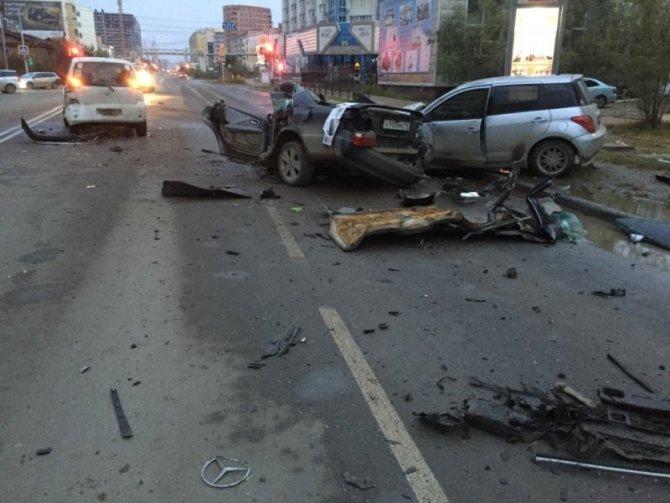 В Якутске по вине пьяного водителя погибли два человека (4).jpg