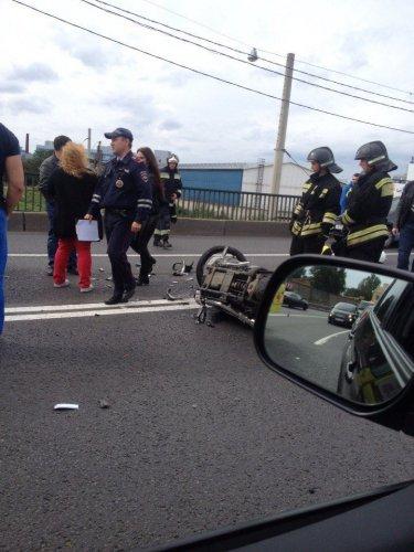 В Петербурге в массовом ДТП пострадали мотоциклист и его пассажирка (5).jpg