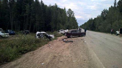 На трассе Тюмень - Ханты-Мансийск в ДТП погибли два человека (1).jpg