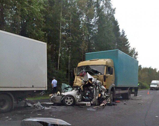 В ДТП на Мурманском шоссе погибли два человека (2).jpg