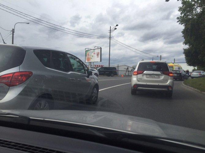 В Петербурге в массовом ДТП пострадали мотоциклист и его пассажирка (3).jpg