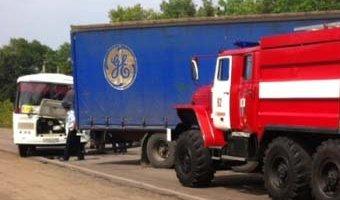 Под Воронежем в ДТП с автобусом и грузовиком пострадали 15 человек