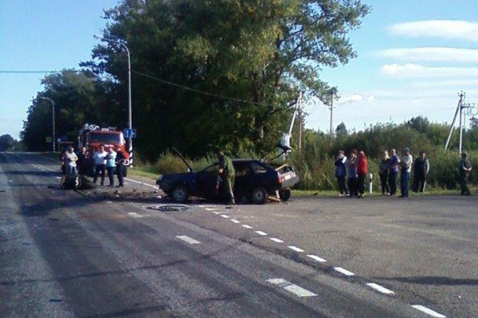 В ДТП с мотоциклом под Смоленском погибли два человека (4).jpg