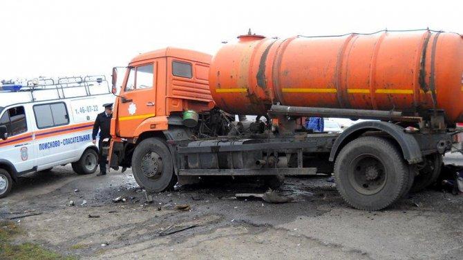 В Кургане в ДТП с КамАЗом погибли четыре человека (2).jpg