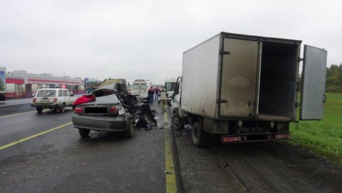 В ДТП с «Газелью» на Пермском тракте погибла 17-летняя девушка.jpg