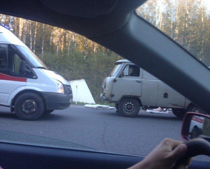 В ДТП в Гатчинском районе погиб водитель Renault (1).jpg