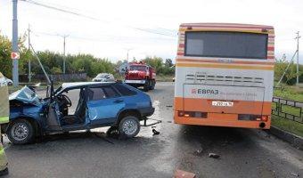 В Нижнем Тагиле с ДТП с автобусом погибла пассажирка ВАЗа