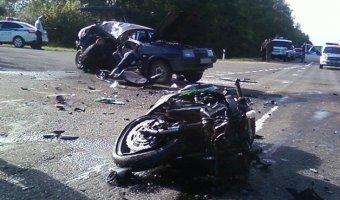 В ДТП с мотоциклом под Смоленском погибли два человека