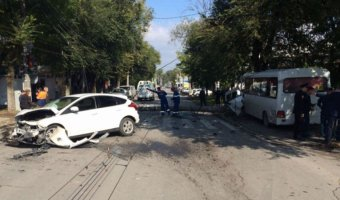 В ДТП с маршруткой в Таганроге погибли два пешехода