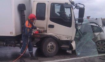 В ДТП с грузовиком под Ростовом погиб человек