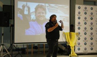 Немецкий автогонщик Райнер Цитлоу рассказал о своем новом рекорде в «Фольксваген Центре Лосиный Остров»