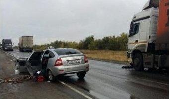 Под Волгоградом в ДТП с КамАЗом погибли два человека