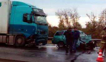 В ДТП с фурой под Сызранью погибли два человека