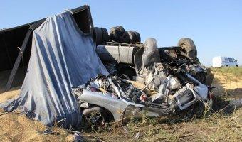 В Адыгеи в ДТП с КамАЗом погибли три человека