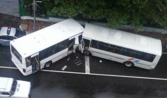 В Туапсе в ДТП с двумя автобусами пострадали восемь человек