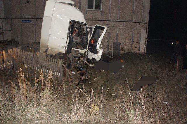 Пьяный водитель грузовика устроил ДТП с пятью погибшими на Урале (5).JPG