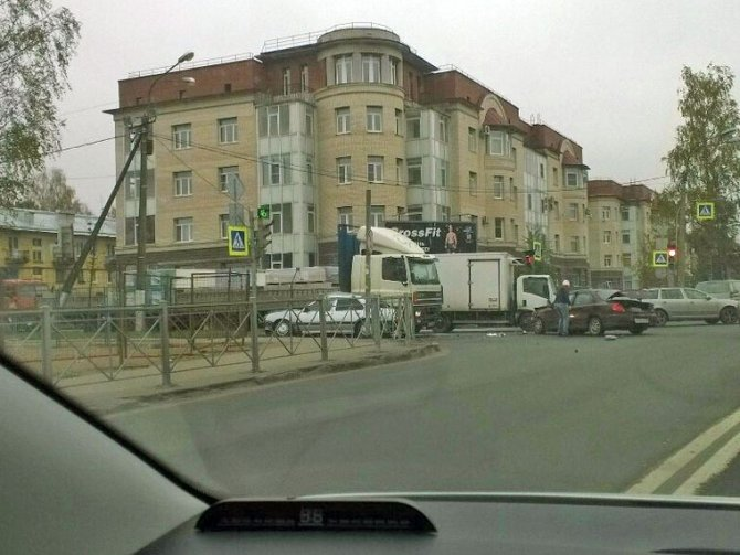 Пенсионер и младенец пострадали в ДТП в Колпино (4).jpg