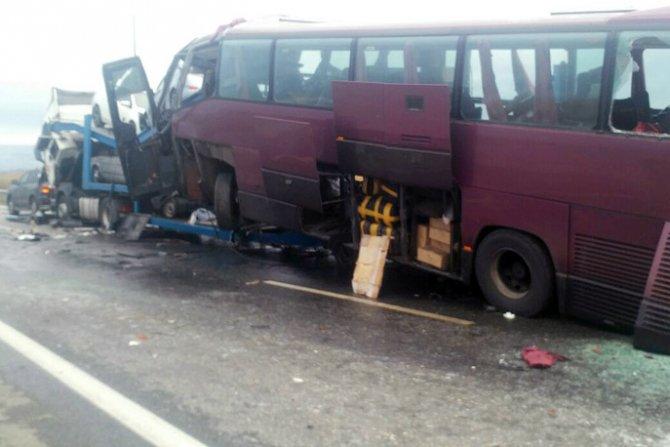 В ДТП с автобусом «Москва – Ереван» погибли пять человек (3).jpg
