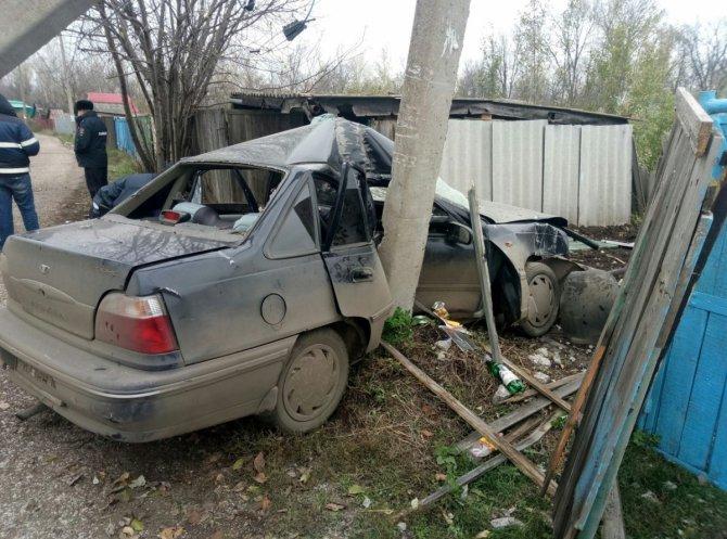 В Стерлитамаке пьяный водитель врезался в столб погибла девушка (1).jpg