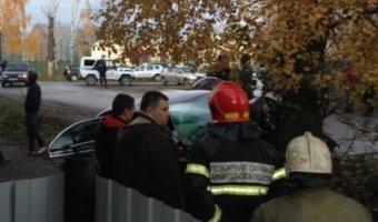 В Вельске в ДТП с деревом погибли два человека