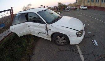Во Владивостоке пассажира легковушки проткнуло арматурой во время ДТП, а водитель  притворился пассажиром
