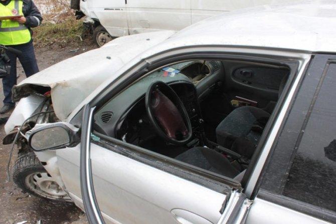 В ДТП на «грузовой восьмерке» в Ульяновске пострадали 11 человек (8)