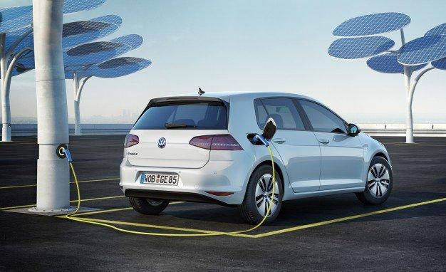 Volkswagen представит обновленный e-Golf в Лос-Анджелесе  (2)