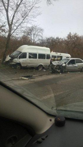 В ДТП на «грузовой восьмерке» в Ульяновске пострадали 11 человек (1)