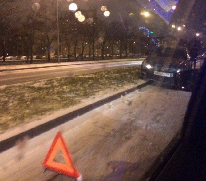 В ДТП на Витебском проспекте в Петербурге пострадали четыре человека, в том числе ребенок (1)