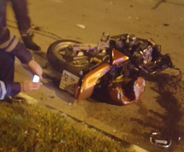 В Новороссийске в ДТП с мотоциклом погибли два человека (3)