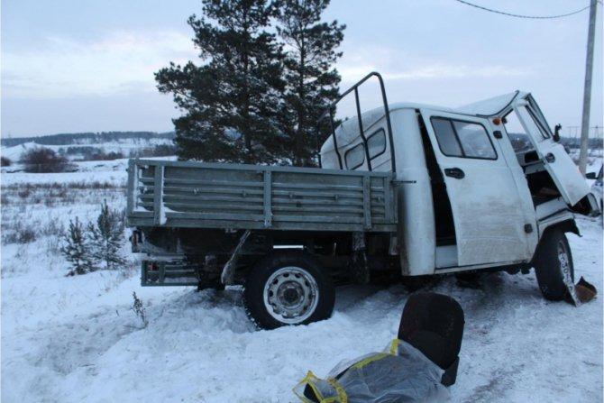 В ДТП под Тулуном погиб водитель УАЗа (1)