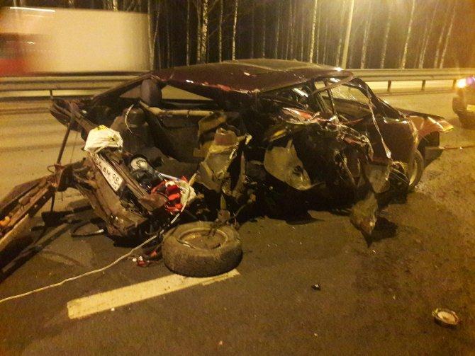 Пьяный водитель устроил массовое ДТП на Дороге Жизни (2)