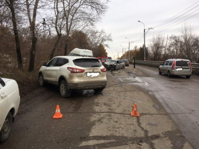 В ДТП на «грузовой восьмерке» в Ульяновске пострадали 11 человек (6)