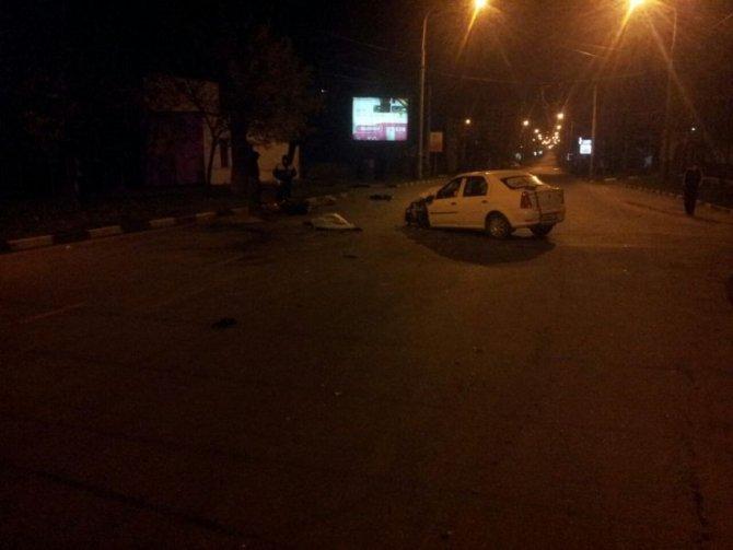 В Новороссийске в ДТП с мотоциклом погибли два человека (2)