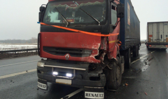 В ДТП с грузовиком в Кинельском районе погиб водитель легковушки