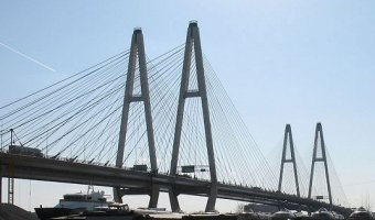 На Большом Обуховском мосту в Петербурге ограничат движение
