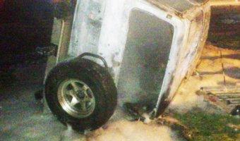 Под Ростовом в иномарке сгорели два человека