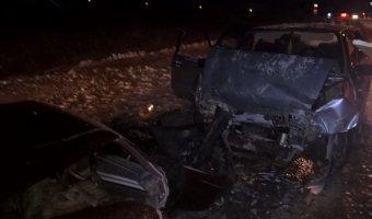В лобовом ДТП в Богдановичском районе пострадали шесть человек