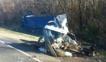 В Динском районе в ДТП «девятку» разорвало: водитель погиб