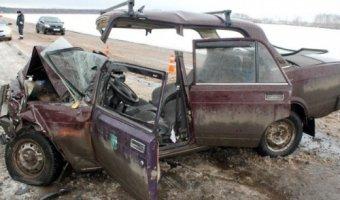 В Башкирии в ДТП погибла женщина и пострадал ребенок