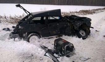 В ДТП с маршруткой в Свердловской области пострадали 13 человек