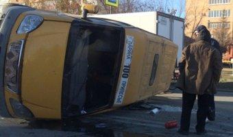 В Тольятти в ДТП с перевернувшейся маршруткой пострадали люди
