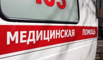 В Магнитогорске иномарка врезалась в дерево: погибла пассажирка
