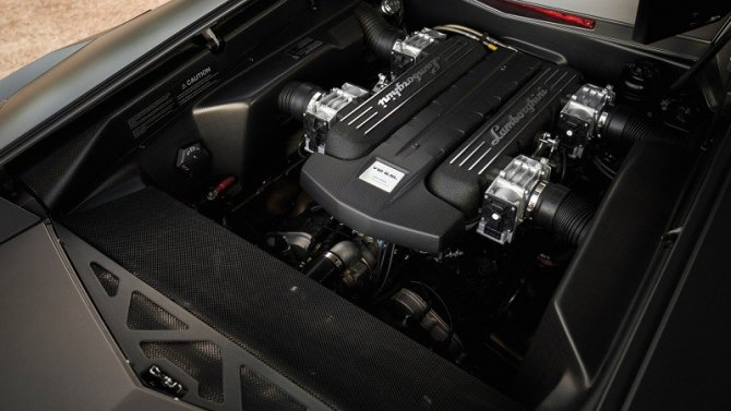 Эксклюзивный суперкар Lamborghini Reventon выставят на торги (3)
