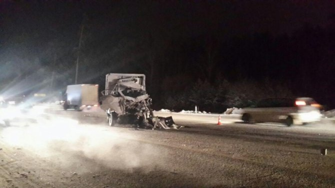 В ДТП с грузовиком на ЕКАД погиб человек (3)