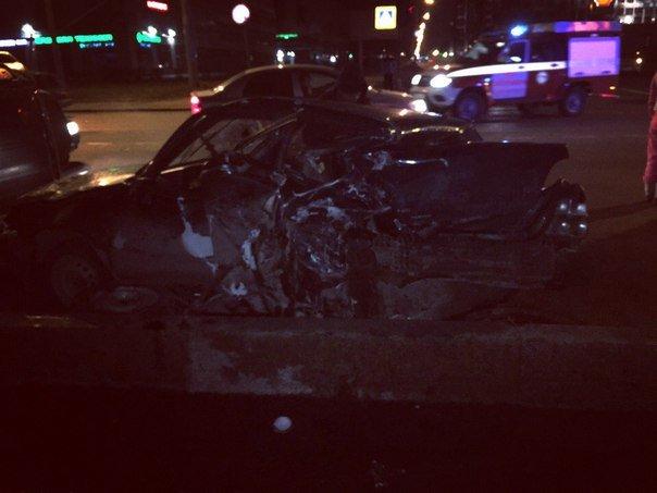 Водитель попал в реанимацию после ДТП на Октябрьской набережной (1)