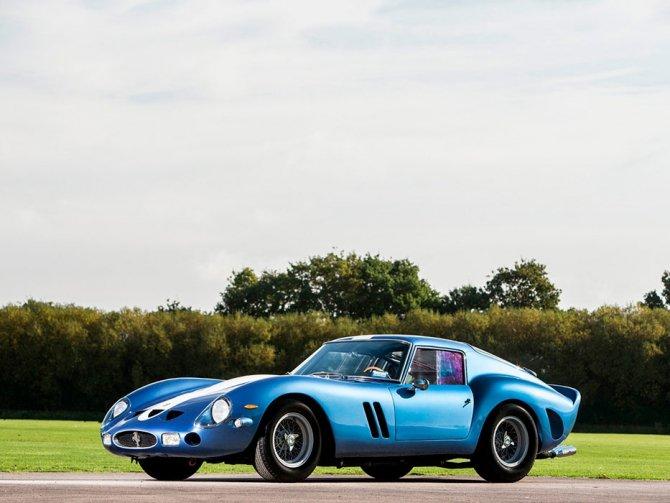 На продажу выставили самый дорогой автомобиль в мире - голубой Ferrari 250 GTO (2)