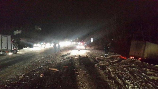 В ДТП с грузовиком на ЕКАД погиб человек (1)